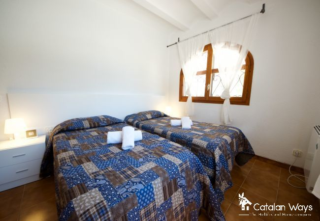 Cottage in Ampolla - Villa Los Olivos