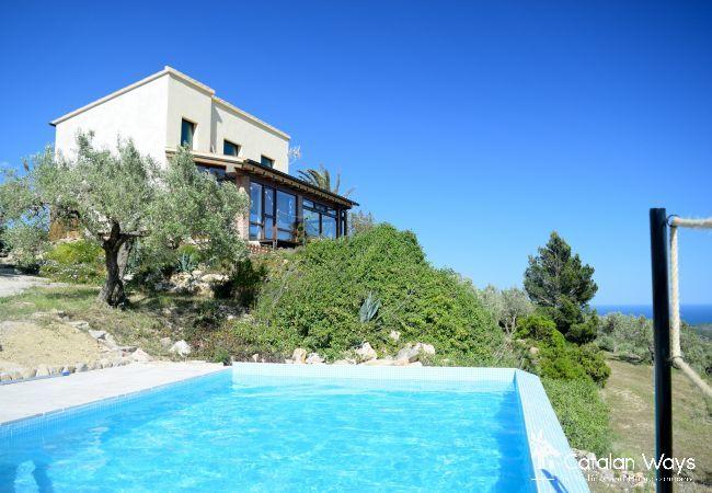Cottage in Ampolla - VILLA LA CALMA