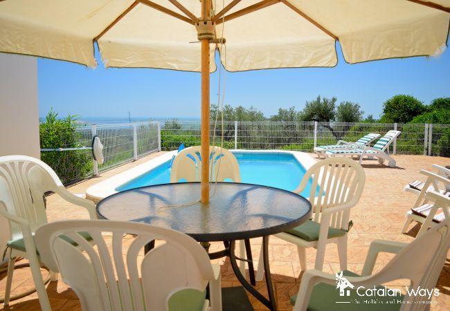 Villa in Ampolla - THE LITTLE CASTLE