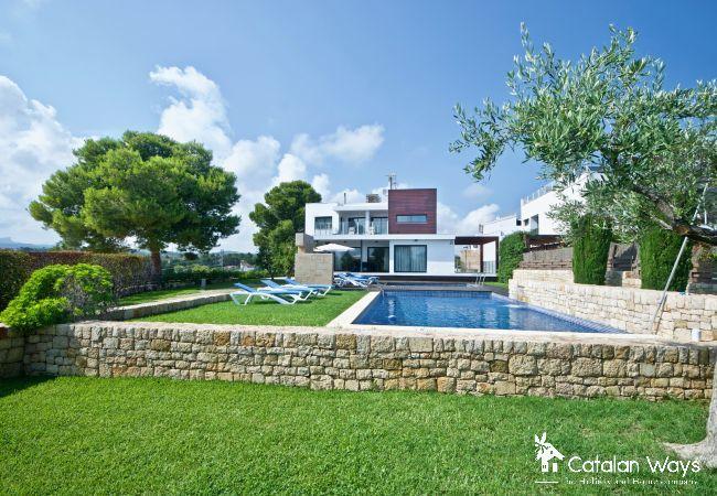Villa in Ampolla - VILLA MARAT