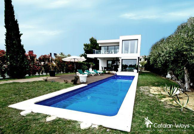 Villa in Ampolla - VILLA CRISTINA