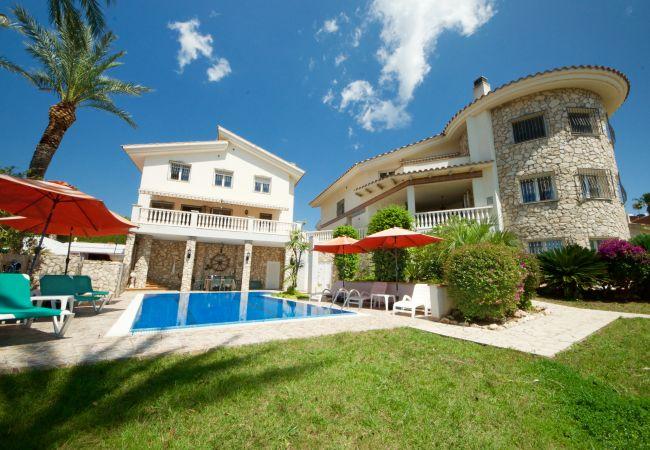 на Ampolla - Sanolianso Resort