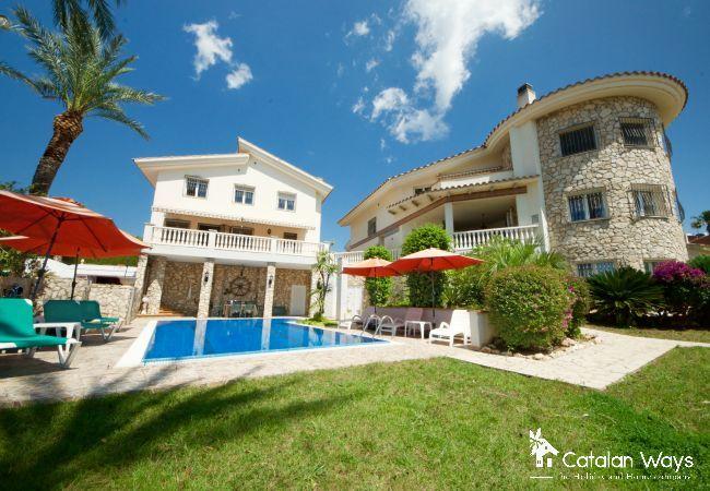 Вилла на Ampolla - Villa Sanolianso 2