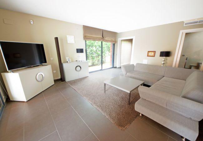 Villa in Ampolla - 1. Villa Vladiana